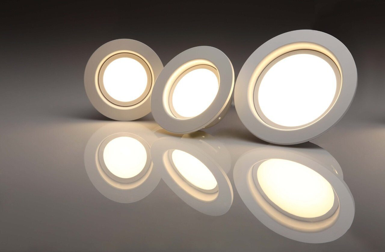 light-glowing-technology-white-number-ceiling-874949-pxhere.com