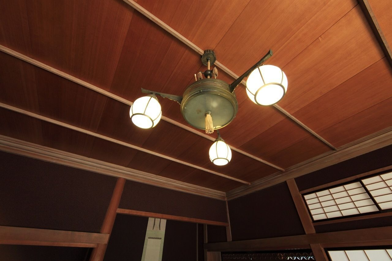light-house-interior-home-ceiling-high-446228-pxhere.com