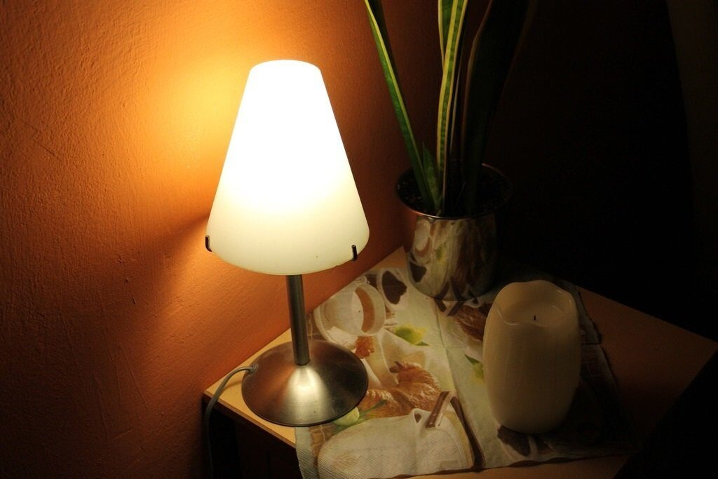 light-white-atmosphere-color-lamp-yellow-983455-pxhere.com