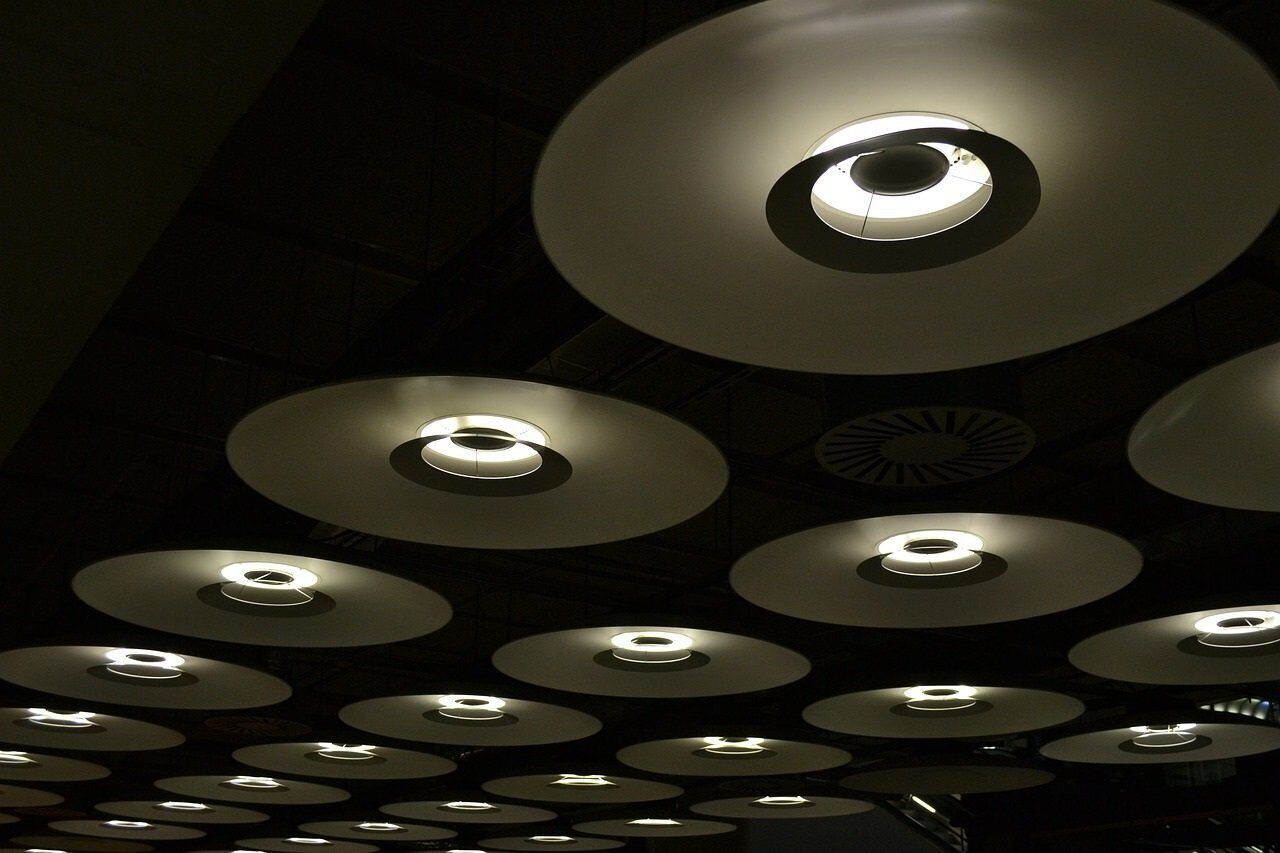 ceiling-lights-233934_1280