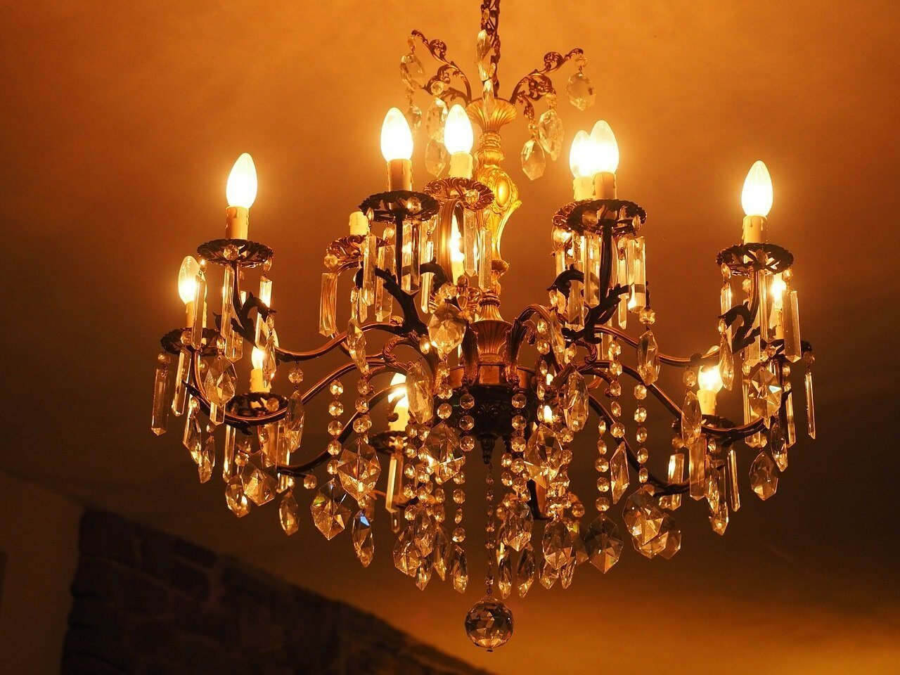 candlestick-590900_1280